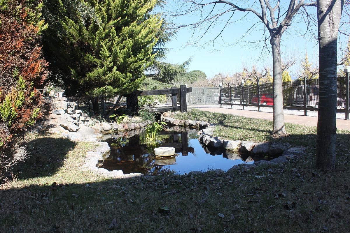 La Bota de Caldes - Jardín y parking